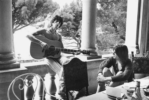 Richards and buddy Gram Parsons at Nellcôte